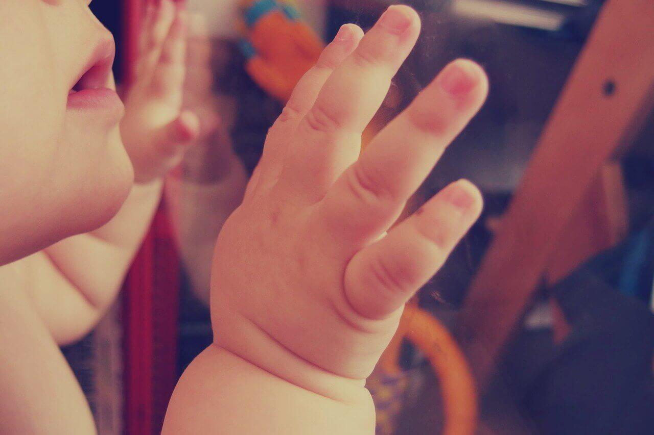 指しゃぶりで出っ歯にならないための対策~2歳児~
